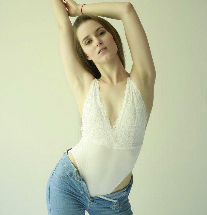 ANNA (25)