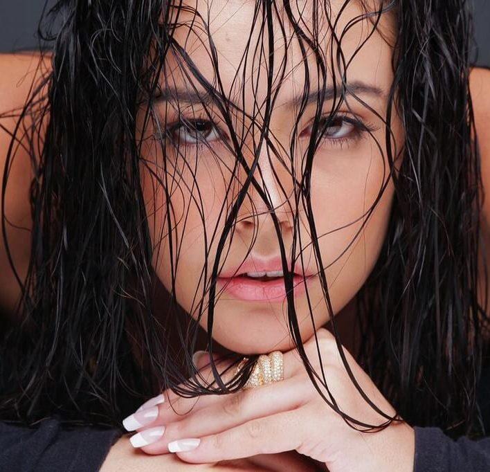 LORRANY - Janair Models (22)